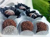 Silver Tela Chocolate Truffle Holder. Caixeta para doces em Tela