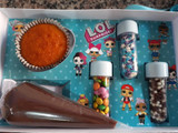 Kids DIY Baker's Gift Box. Kit Confeiteiro.