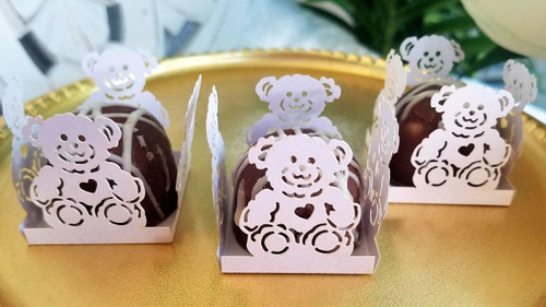 Teddy Bear White,   4 Petal - Design or Laser Cut Truffle or Brigadeiro Wrappers / Holders. Forminhas para doces.