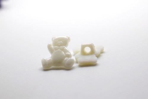 White Teddy Shank Button - 15mm - sold individual