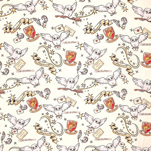 Harry Potter Gryffindor Hedwig on Cream 100% Cotton Fabric, 140cm/55in wide, Sold Per HALF Metre