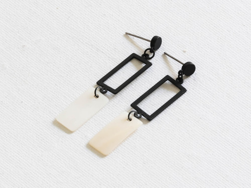 Perdita Black Delicate Shell Geo Earrings