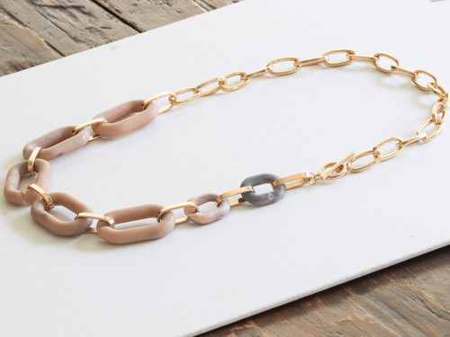 Petra Peach & Gold Matte Resin Chunky Chain Necklace