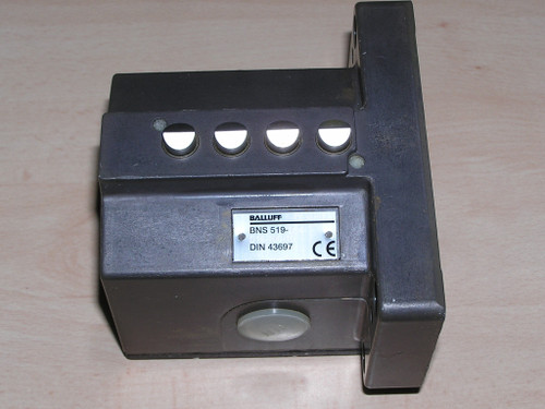 Unused - Balluff BNS 519-D04-D16-100-10 Mechanical Multiple Position Switch