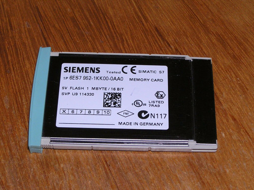 Siemens 6ES7952-1KK00-0AA0 E:05 S7-400 FLASH EPROM 1MB used as new condition
