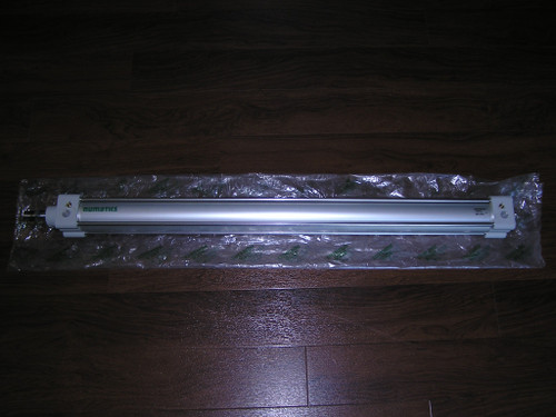 NEW old stock - ASCO Numatics G450A5SK0700A00 Series G450 cylinder with tie rod