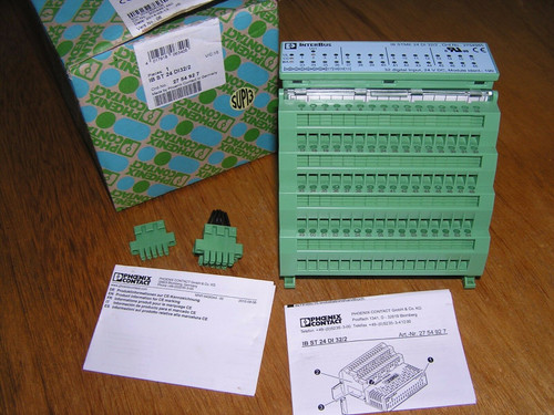NEW - Phoenix Contact IB ST 24 DI32/2 2754927 / 27 54 92 7 original box PLS READ
