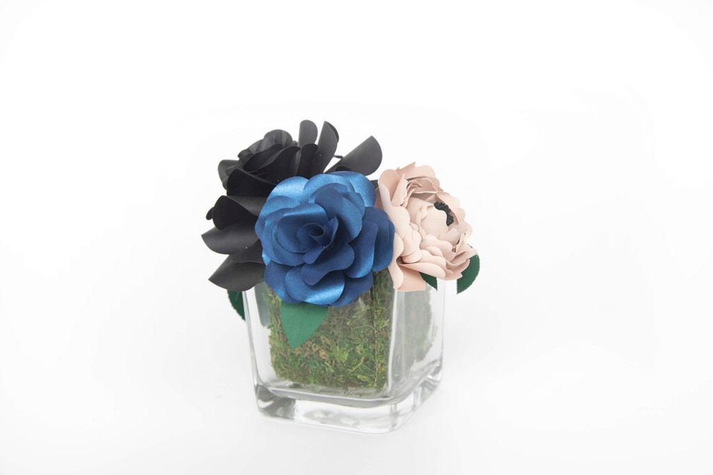 SWEET BLOOMS: THE MIDNIGHT ARRANGEMENT  MAKE YOUR LIFE SWEETER X QUTE BLOOMS come together for an exclusive line of handcrafted  paper flower arrangements that can be shipped worldwide.  This stunning  arrangement comes with 3 paper flowers in a glass vase.