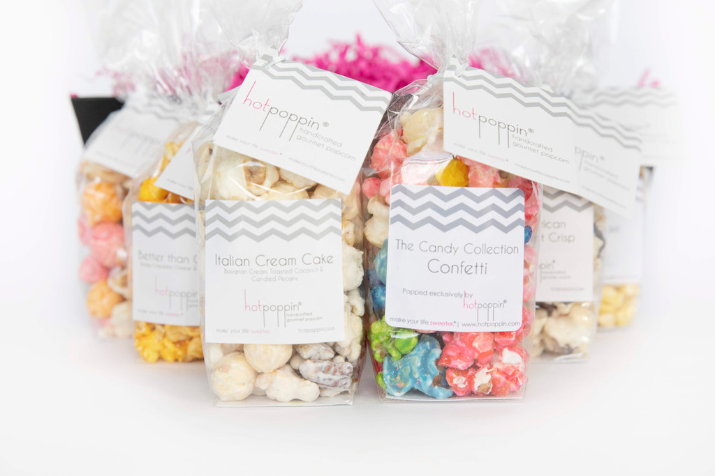 This You're My Hero Gift Box comes with assorted Sugaire Organic Cotton Candy.