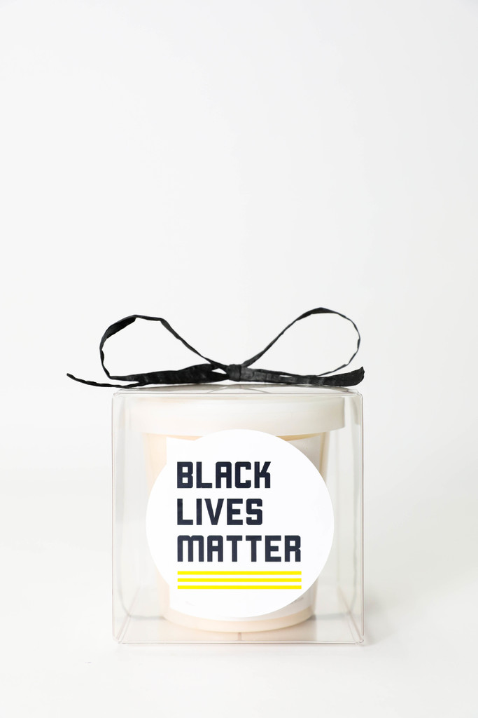 THIS BLACK LIVES MATTER BOX INCLUDES:  4x4x4 clear box with label + 1 Sugaire Organic Cotton Candy - 16oz pint - SEA SALT CARAMEL