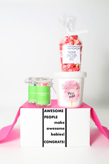 "Baby Shower Gift - ""AWESOME PEOPLE MAKE AWESOME BABIES"" - 4 Sweet treats"