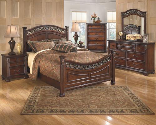 Leahlyn Warm Brown 6 Pc. Dresser, Mirror, Chest & Queen Panel Bed