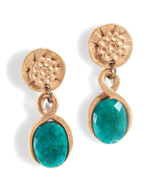 Empress Dyed Emerald Quartz Pierced Earrings View Product Image
