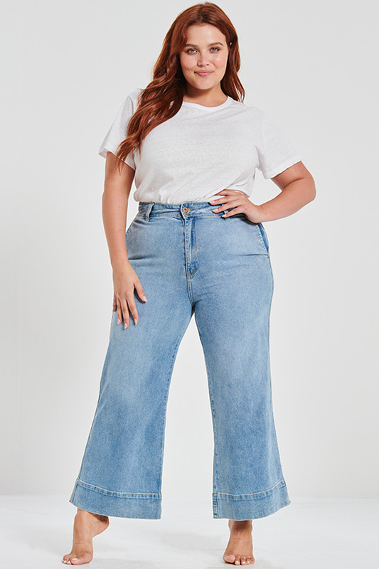 Cropped 70's Flare in Light Indigo