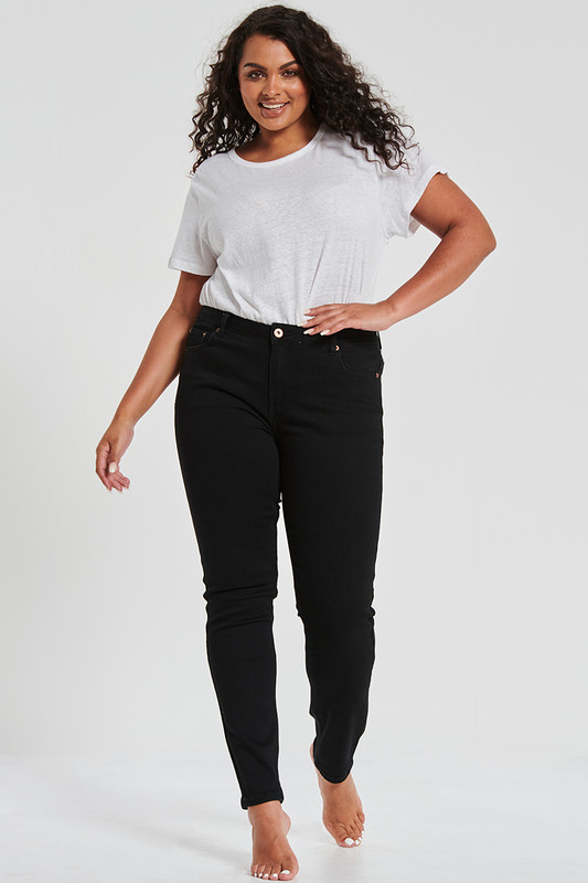 Skinny Jean In Washed Black