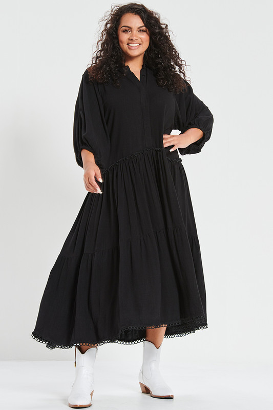 Camilla Dress in Black Linen