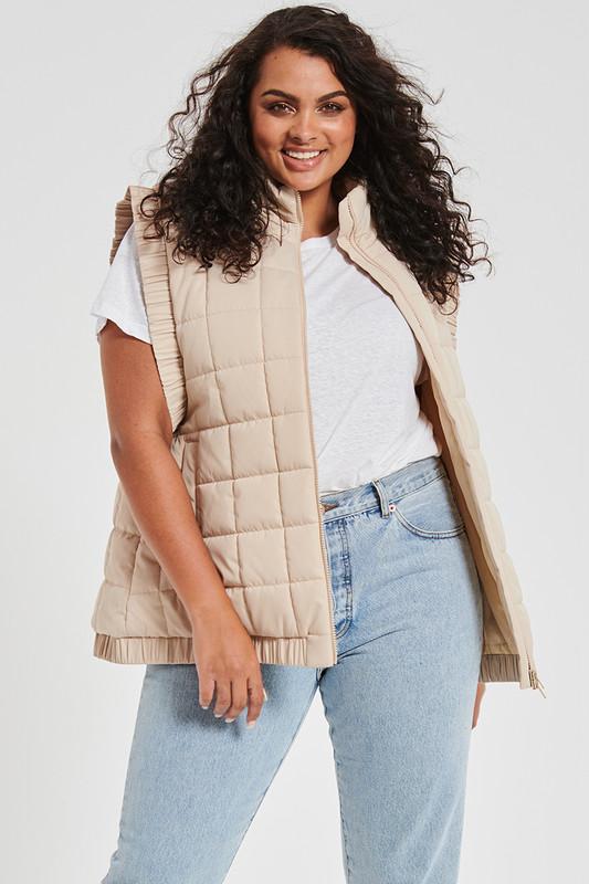 Oversized Puffer Vest In Sand