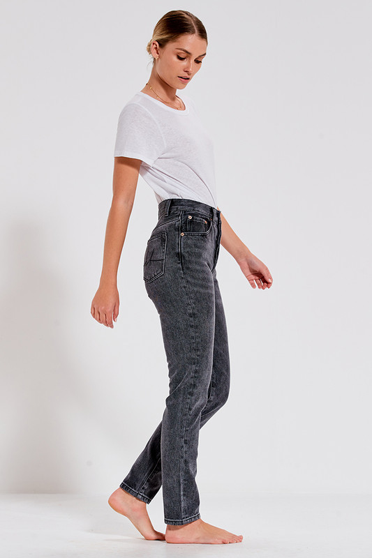 Slim Jean in Grey Wash