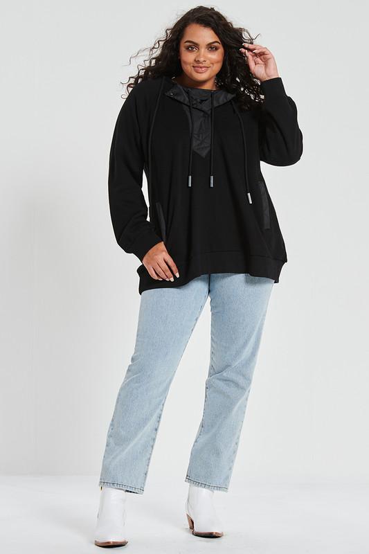Raglan Hoodie in Black