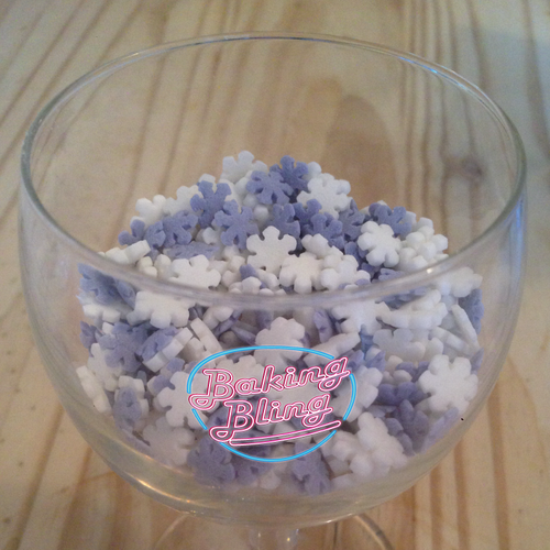 Blue & White Snowflakes Edible Decoration