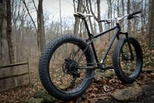 Luna Cycle Sun Ringle Mulefüt 80SL on a Fat Tire Bike