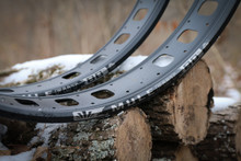 Luna Cycle Sun Ringle Mulefüt 80SL Wheel Detail