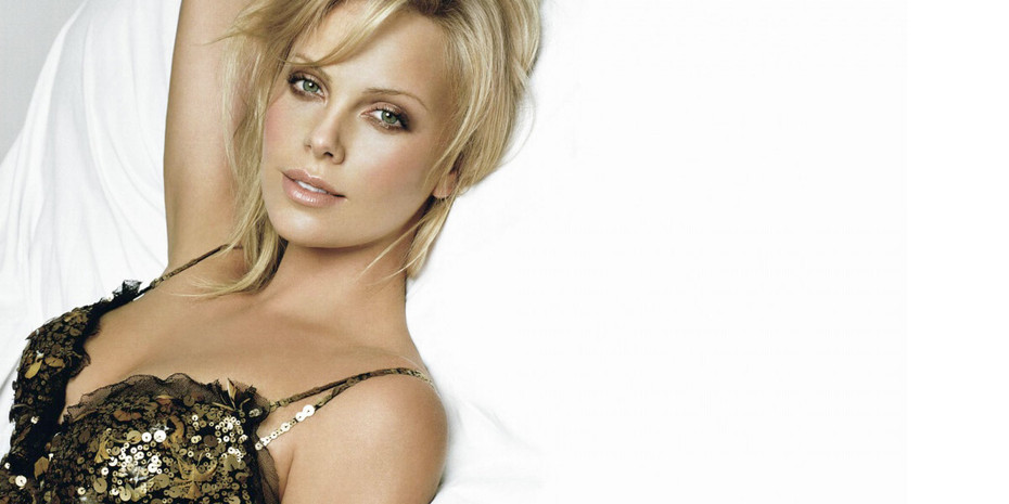 Charlize Theron's Cool Pop of Pink