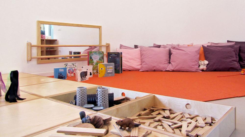 Italian furniture, Italian design by Gonzagarredi. Offering the absolute standard in Montessori Furniture.