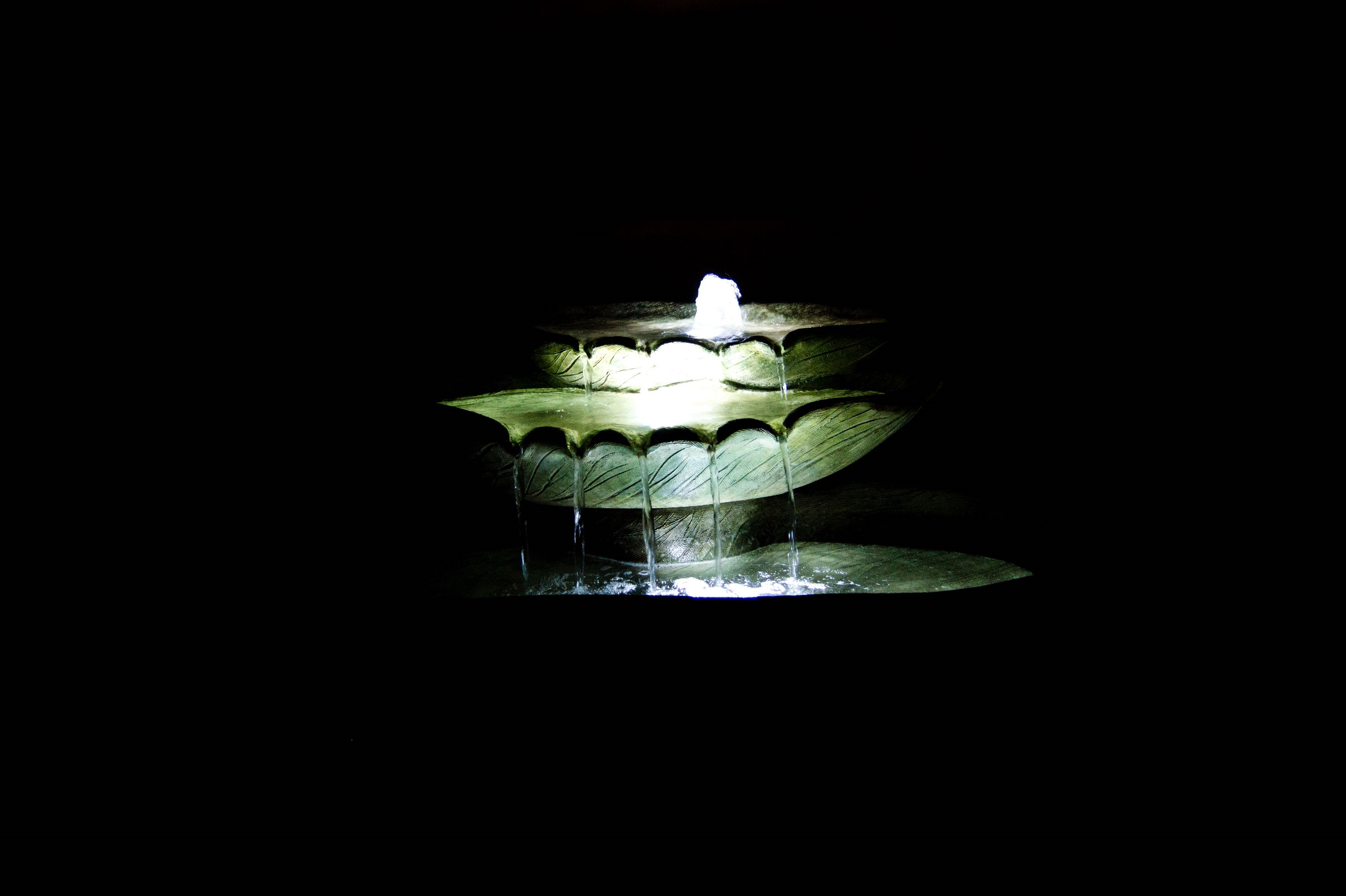 "15"" Cascading Leaf Fountain - CALL TO ORDER"