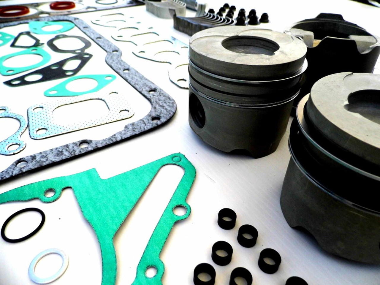 Perkins Prima M80T Engine overhaul kit from parts4engines.com