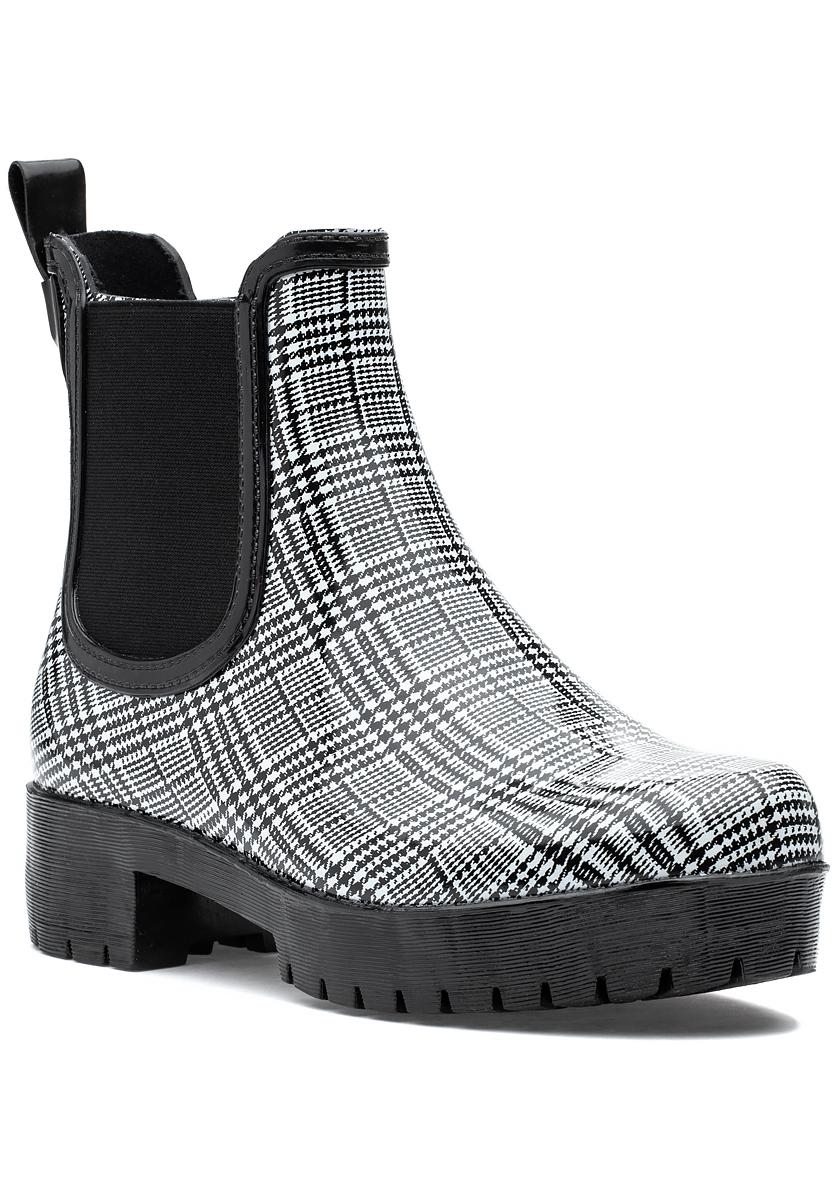 Cloudy Rain Boot Black \u0026 White Plaid
