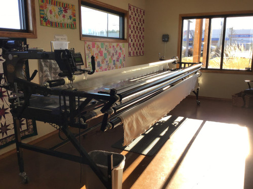 ROSIE - Gammill Classic Plus - Hand-Guided Longarm Quilting Machine