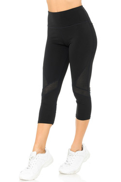Wholesale Angled Mesh Women's Sport Workout Capris