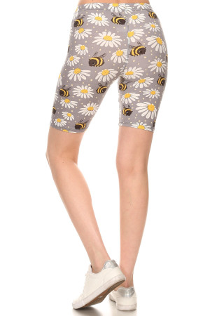 Wholesale Buttery Soft Bumblebee Daisy Plus Size Shorts