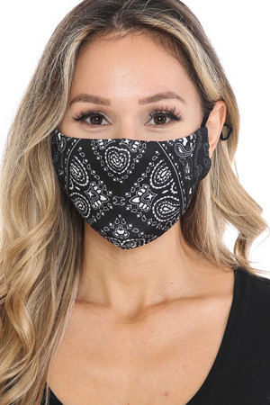 Wholesale Face Frame Black Bandana Graphic Face Mask