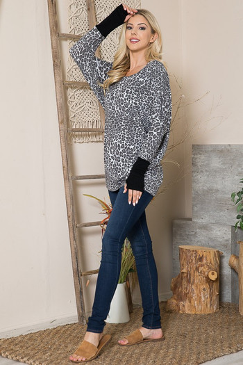 Wholesale Oversized Leopard Contrast Cuff Long Sleeve Top with Thumbholes