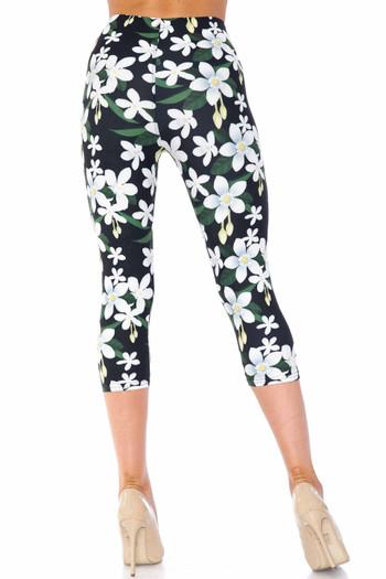 Wholesale Creamy Soft Daisy Bloom Plus Size Capris - USA Fashion™