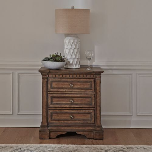 Haven Hall 3 Drawer Nightstand