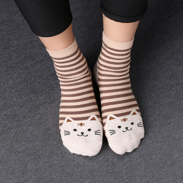 Brown Cat with Tan and Brown Stripe Socks