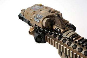 """Unity Tactical Hot Button Rail Mount Surefire 7"""" Black (HBR-SB)"""