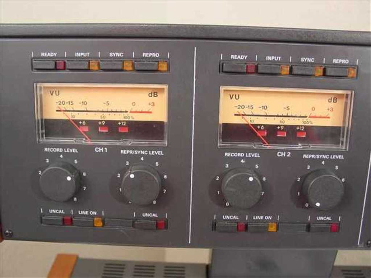 Studer A807 2-channel 1/4
