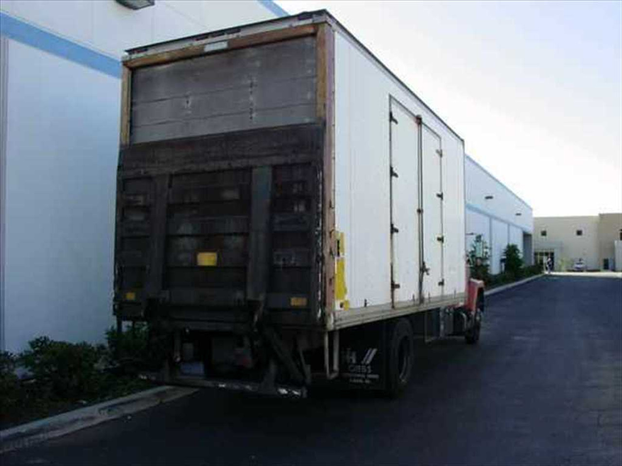 international s1900 box 1984 box truck with waltco lift gate