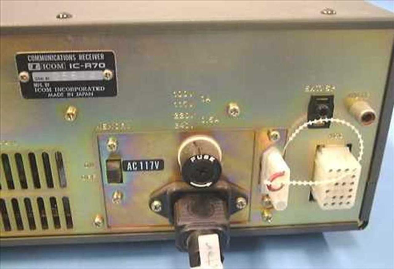 Icom Inc  IC-R70 Communications Receiver