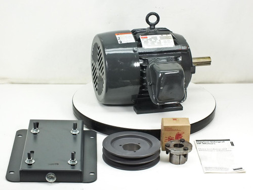 Dayton Premium Electric Motor NEW Without Box 3HP 230/460 Volt 8/4 Amp (4FN65)