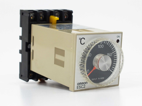 Omron E5C2-R-20P Temperature Controller with P2CF-08 base VAC 50/60Hz 2VA Max
