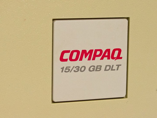 Compaq  15/30 GB DLT  3305 Series Tape Drive