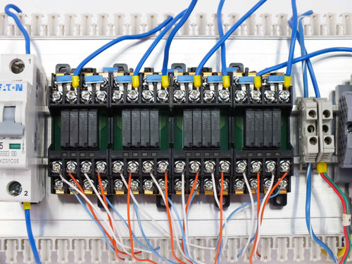 Lot of Terminal Blocks  ME Euro E 4 2.5 W 2.5 Eaton WMZS1C05 RS4N-DE