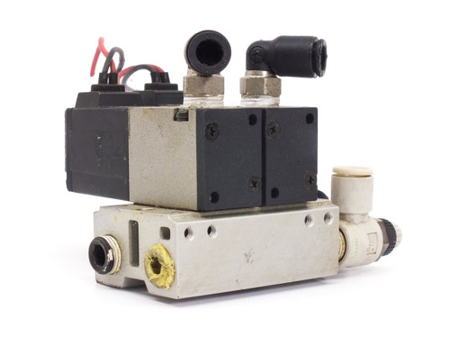 SMC TWO Pneumatic Solenoid Valves 0 to 0.7 MPa S'pore 24 VDC VK332-5G-01