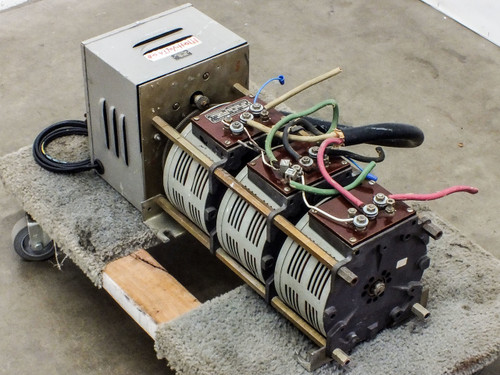 Superior Electric 136-1033 Powerstat Motor-Driven Variac PRI: 208 SEC: 0~208 VAC
