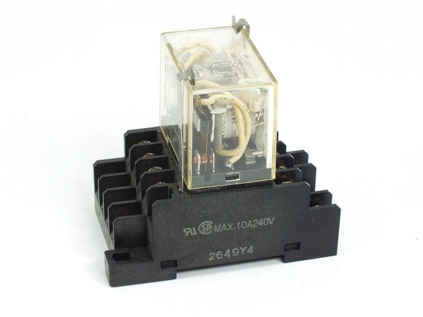 Omron General Purpose Relay 24 VDC w/ PTF14A Relay Socket DIN Mount